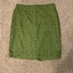 NWT Ann Taylor Beautiful Green Lace Pencil Skirt